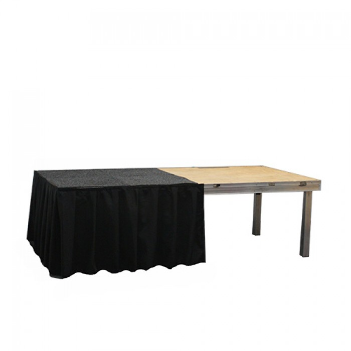 Podiumrok zwart, lengte 1 meter, hoogte 60 cm.