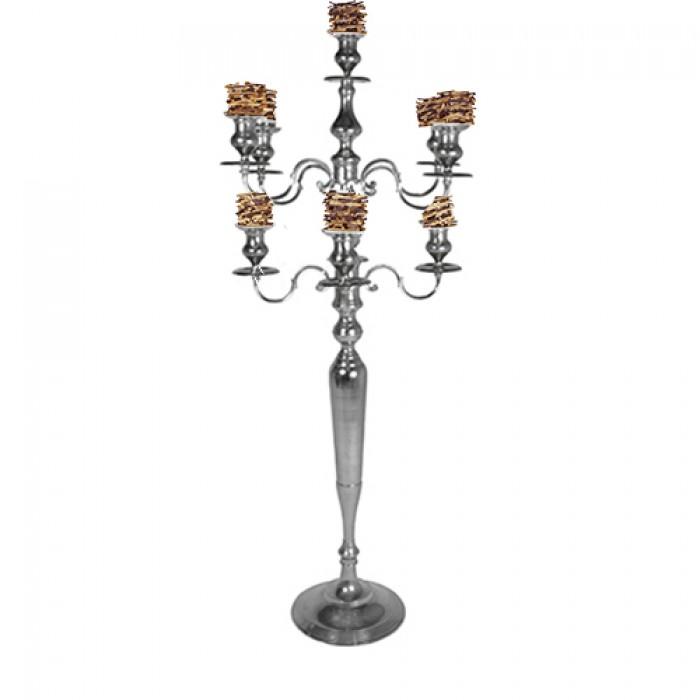 Kandelaar 9-armig zilver, met berkentakvaasjes, hoogte 186 cm.