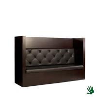 Taupe gecapitonneerde lounge bank, met zwarte kussens